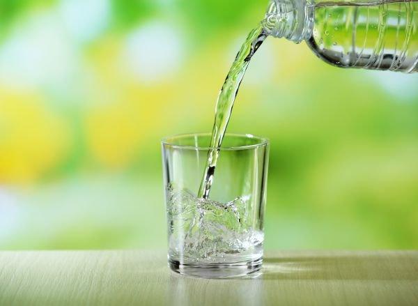 água-mineral bebidas refrescantes