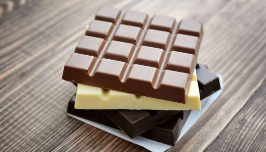 Quais são as diferenças entre os tipos de chocolate ao leite, branco e amargo?