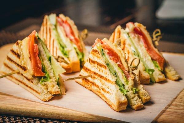 harmonização de pães e vinhos sanduíche