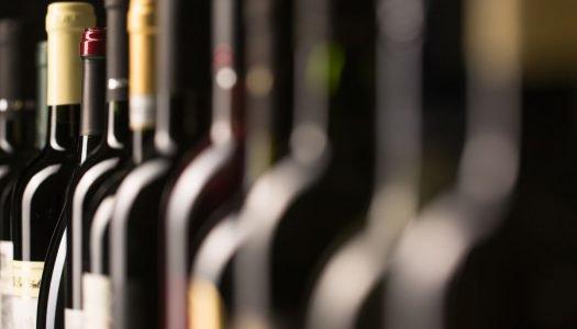 Como é criado um rótulo de vinho?