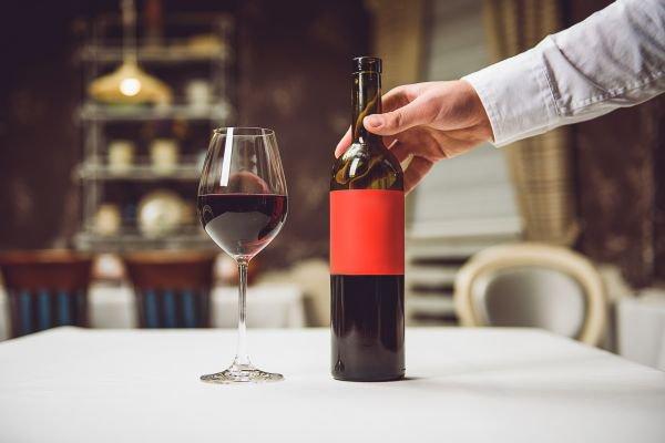 rótulo de vinho - taça