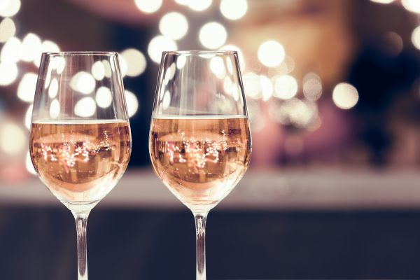 taça de vinho rosé