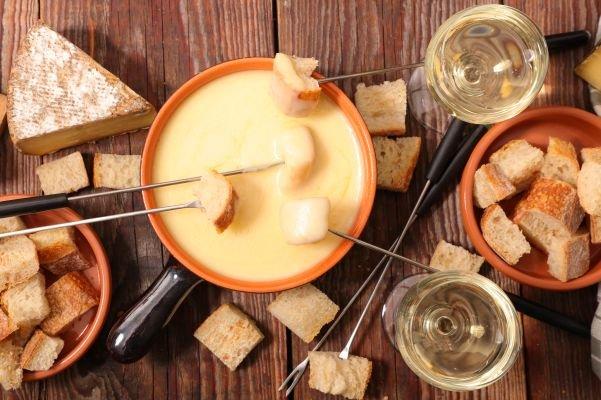 comer fondue vinhos - queijo