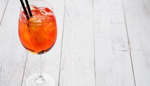 O que é Aperol? Confira 4 receitas de drinks com essa bebida