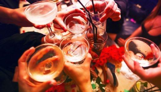 Dia do amigo: selecionamos uma bebida para cada tipo!