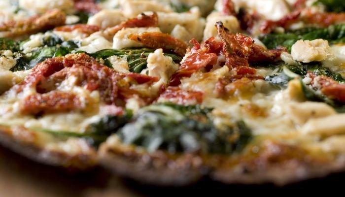 harmonização de vinhos pizza rucula
