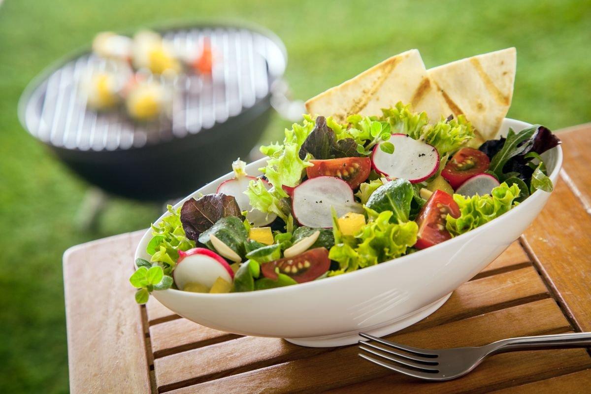 d59ae473f Quer servir saladas para acompanhar o churrasco? Confira essas dicas!