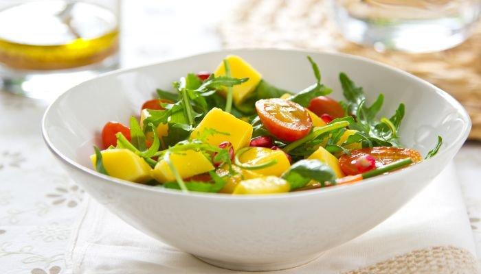 saladas para acompanhar o churrasco - manga