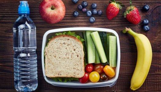 Volta às aulas: 6 dicas saudáveis para montar a lancheira do seu filho