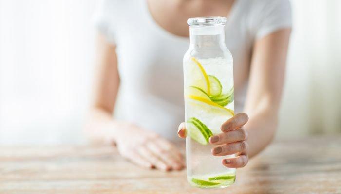 dicas de hidratação - água saborizada