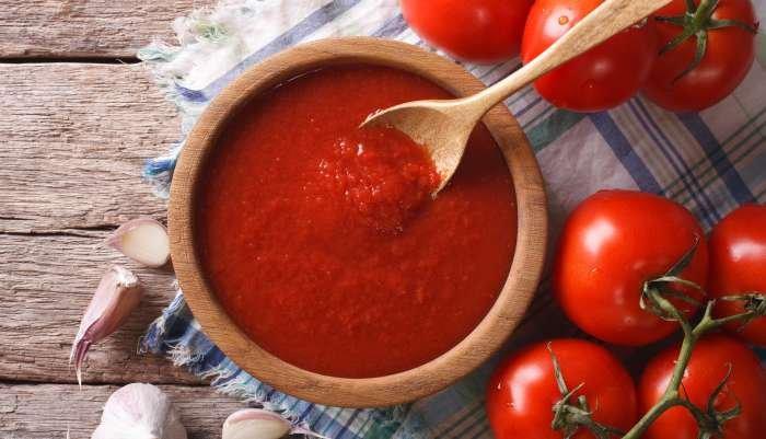 comida vegetariana - molho de tomate