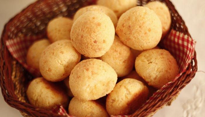 comidas para piquenique - pão de queijo