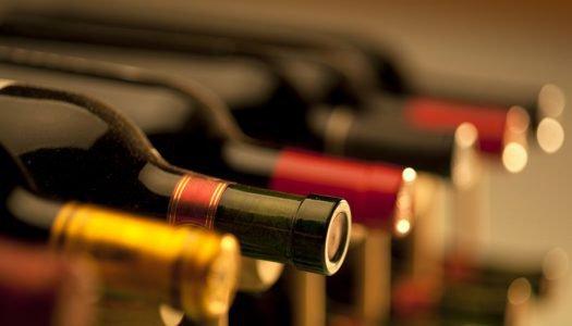 Como guardar vinhos em casa? Confira cuidados que você deve ter