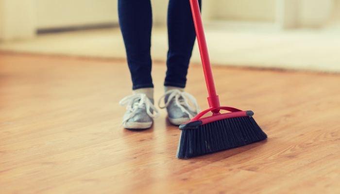 limpeza da casa - vassoura