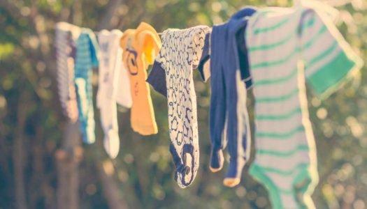 5 cuidados ao lavar a roupa do bebê