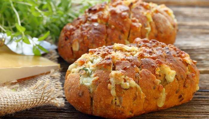 tipos de pão de alho - pão de alho com linguiça