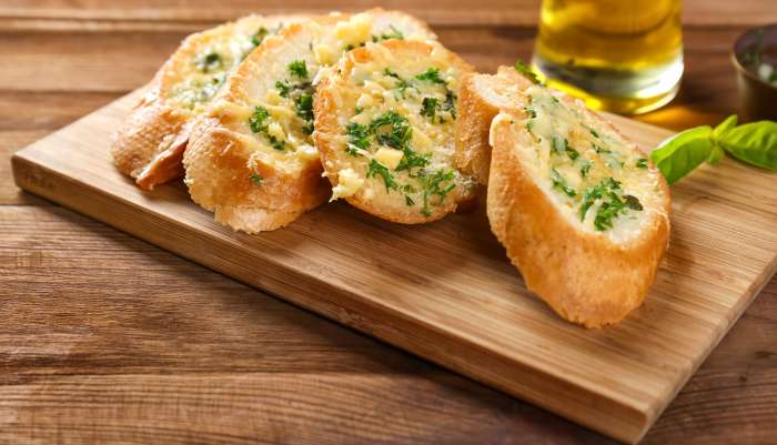 tipos de pão de alho - queijo
