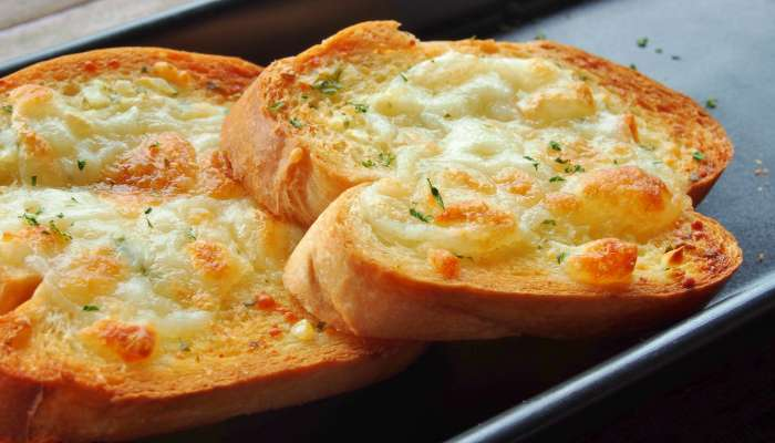 tipos de pão de alho - pão de alho com requeijão