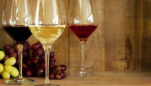 Branco, tinto ou rosé? Escolha o vinho perfeito para o seu Natal