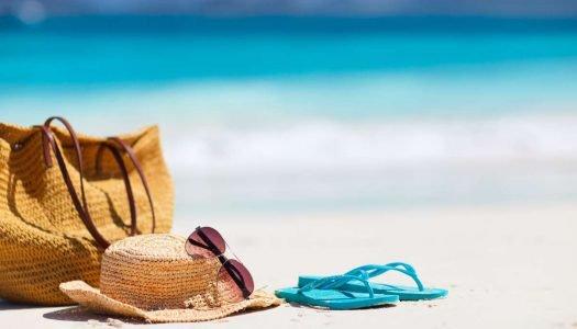 É verão! Veja o que não pode faltar na sua bolsa de praia!