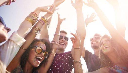 6 ideias de bebidas para levar no bloquinho de Carnaval