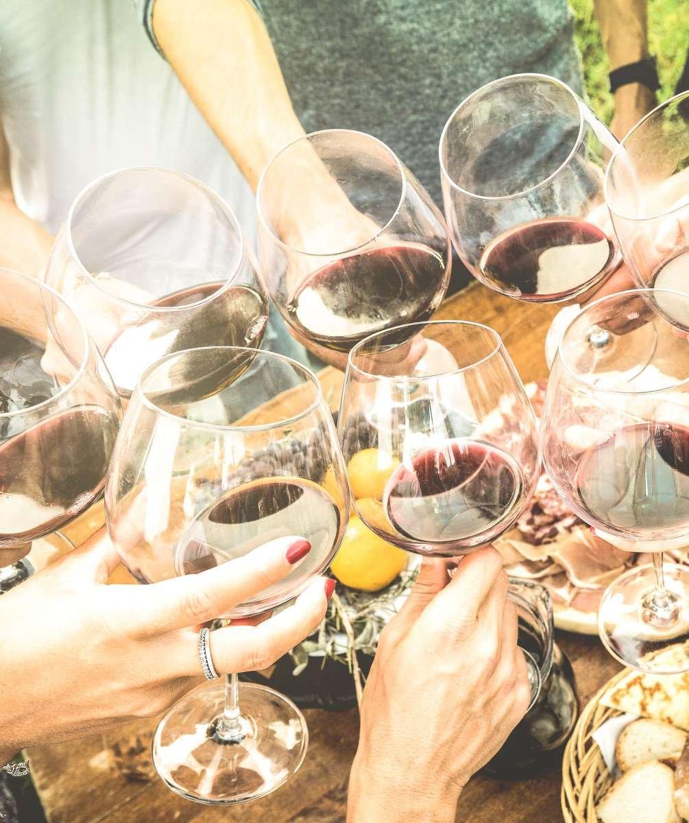 6 benefícios do vinho para a saúde