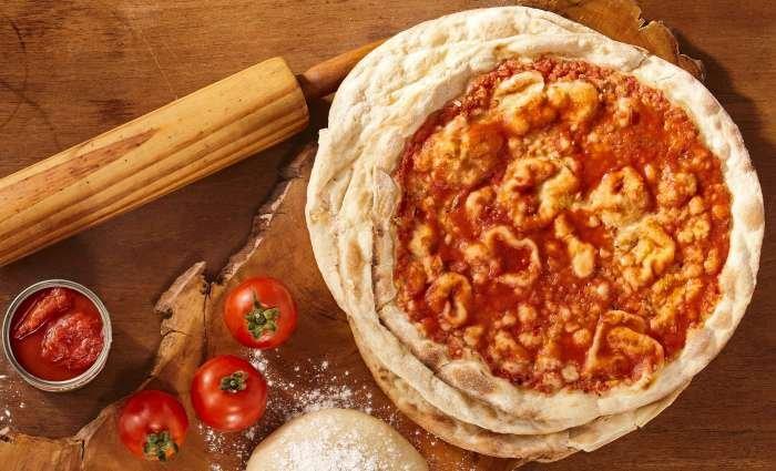 pizza de abobrinha - tomate