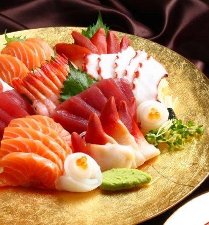 comer peixe cru