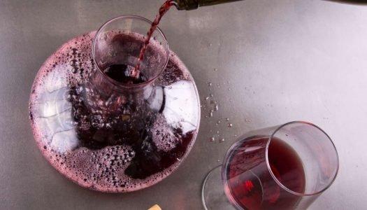 Para que serve e quando usar um decanter de vinho?