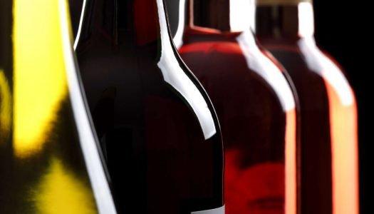 Por que existem diferentes tipos de garrafas de vinho?
