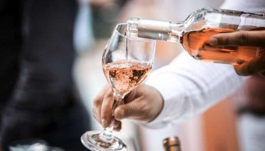 Vinho rosé: descubra tudo sobre essa charmosa bebida