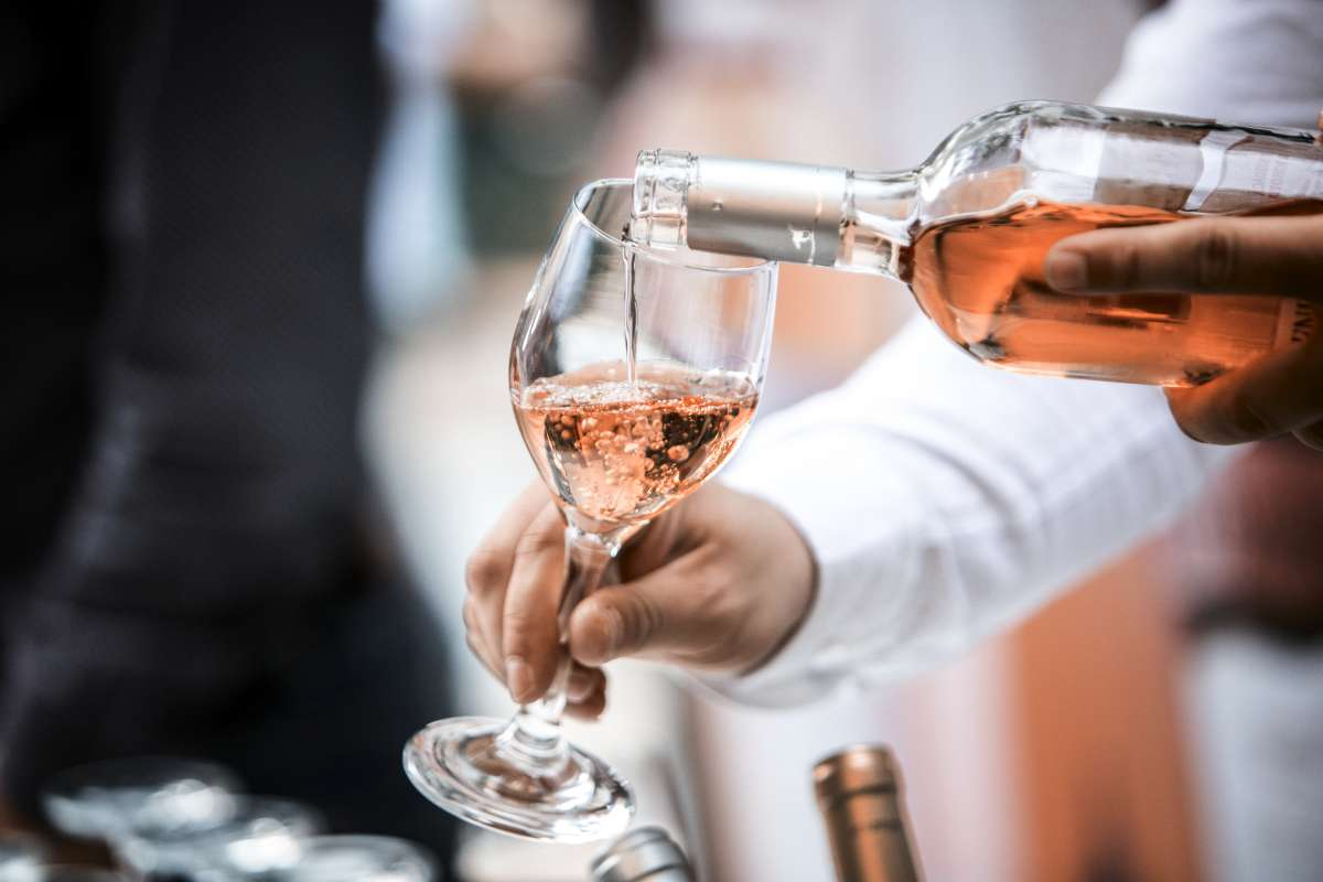 7eb0a2769d Vinho rosé  descubra tudo sobre essa charmosa bebida - Blog do Pão