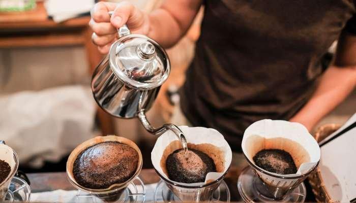 café forte ou fraco - água