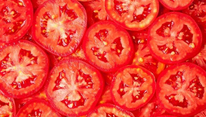 curiosidades sobre o tomate cortado