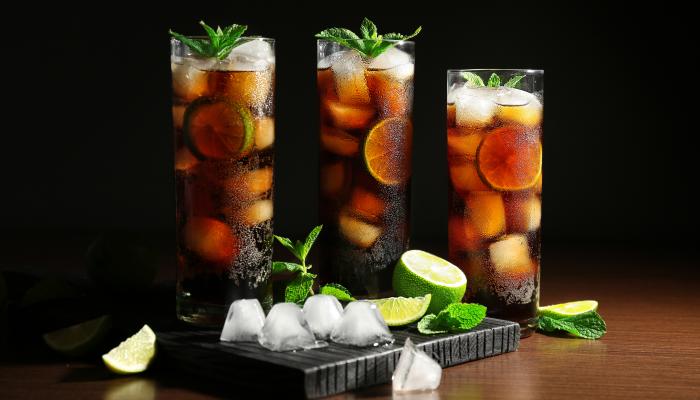 drinks com rum - cuba libre