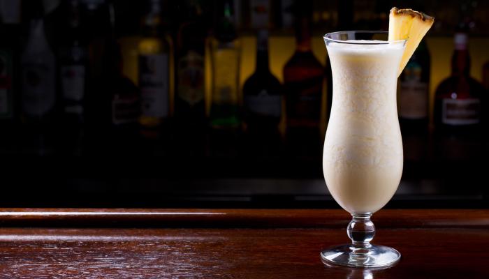 drinks com rum - pina colada