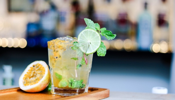 drinks com água tônica - tropical