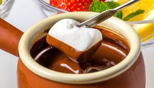 como fazer fondue de chocolate
