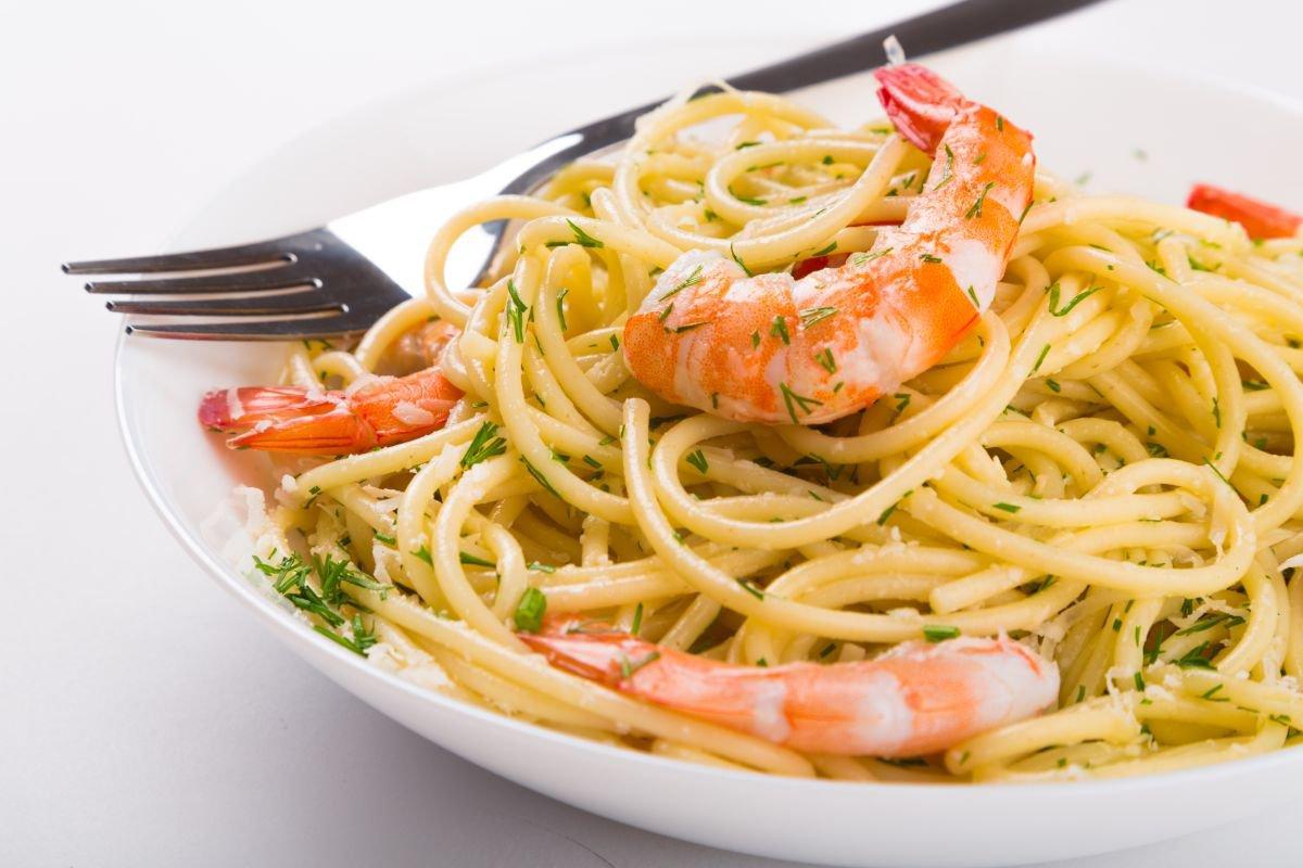 receita de massa de camarão e wasabi