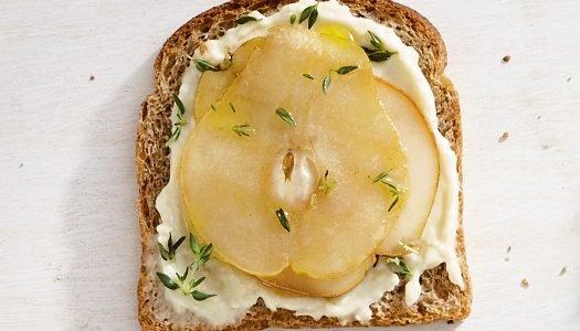 [Receita] Tartine de brie com pera
