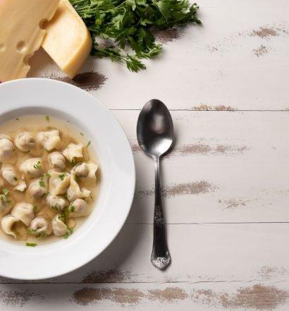 sopa de capeletti