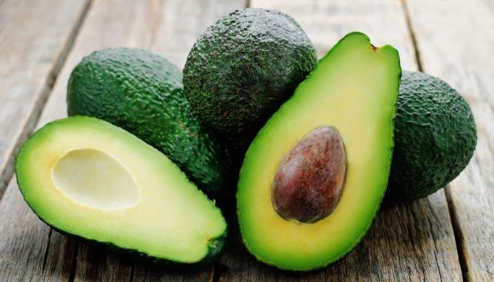 alimentos ricos em potássio abacate