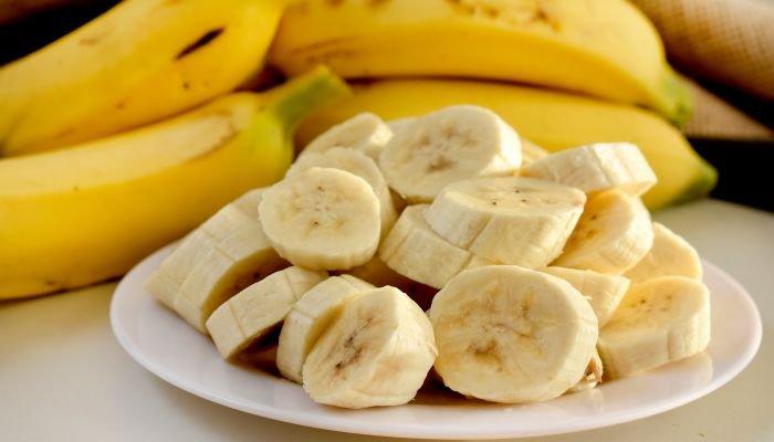 benefícios da banana pedaços
