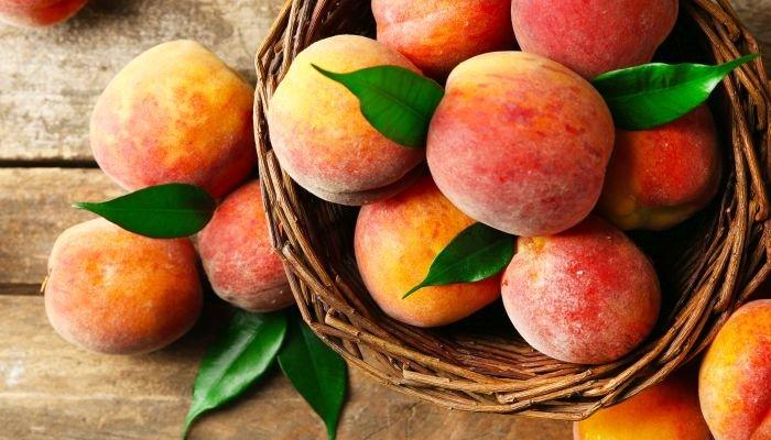 frutas low carb pêssego