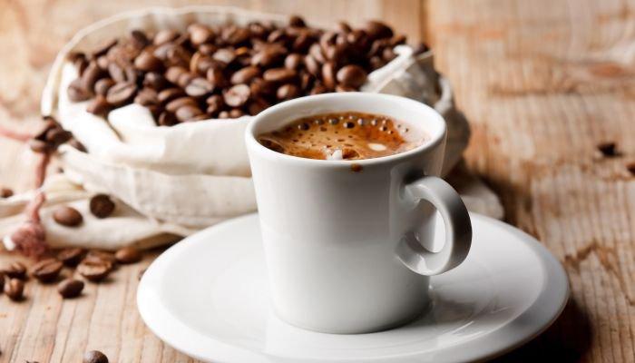 microlotes de café xícara